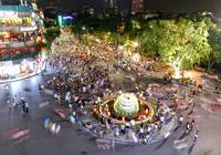 Hà Nội đề xuất không đeo bám khách du lịch ở phố đi bộ hồ Hoàn Kiếm