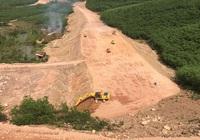 Nghiêm cấm nhà thầu dùng máy san gạt, máy ủi để thảm cấp phối cao tốc Cam Lộ - La Sơn