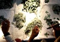 """Khi nền kinh tế rơi tự do, giới cầm quyền Myanmar """"bỏ túi"""" triệu USD nhờ bán đá quý (Kỳ 1)"""