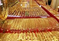 Giá vàng hôm nay 12/4: Vàng thế giới quẩn quanh mức 49 triệu đồng/lượng