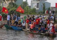 Quảng Nam: Trèo cây, leo nóc nhà để xem đua thuyền ở Tam Kỳ