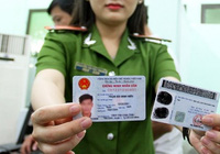 Làm thẻ Căn cước công dân gắn chip có được nhuộm tóc, trang điểm không?