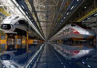 Lo gánh nặng nợ, Trung Quốc đình chỉ 2 dự án đường sắt cao tốc