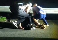 Video: Công an nổ súng bắt người đàn ông chuẩn bị bán 5kg ma túy đá