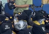 Hà Nội: Tạm giữ gần 2.000 khẩu trang giả mạo nhãn hiệu Gucci, Puma