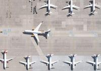 Nhiếp ảnh gia bay trực thăng trên 6 sân bay, hé lộ những bức ảnh lạ và đẹp bất ngờ