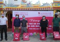 Agribank Nam Đà Nẵng tặng 1.000 suất quà cho các gia đình khó khăn do Covid-19