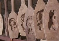 Hành trình ra đời chiếc khuôn bánh trung thu truyền thống: Một nhát đục sai, làm lại từ đầu