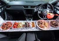 Độc đáo ý tưởng kinh doanh tiệm bánh trong xe hơi