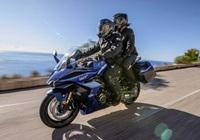Suzuki GSX-S1000GT 2022 - mô tô phân khối lớn mới ra mắt có gì đặc biệt?