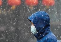 Đang chống chọi virus corona, tuyết trắng bất ngờ phủ khắp nơi ở Trung Quốc