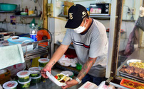 TP.HCM sẽ thí điểm mở lại dịch vụ ăn uống tại chỗ