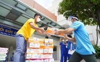 Vinamilk ủng hộ thêm 5 tỷ đồng sản phẩm và thiết bị y tế cho tuyến đầu chống dịch
