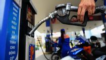 Người dân lo lắng trước thông tin giá xăng chuẩn bị tăng