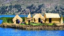 Lạ: Khám phá hòn đảo nổi được làm từ lau sậy