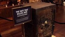 Bí ẩn về chiếc két sắt lấy mạng triệu phú ngành rượu