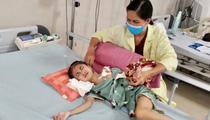 Ninh Bình: Bé gái 7 tuổi đã bị tim bẩm sinh, bại não