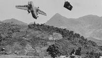 Cảnh tượng hiếm về máy bay Mỹ bị bắn rơi ở Việt Nam