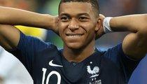 Mbappe sánh ngang với Ronaldo trong cuộc đua Quả bóng Vàng?