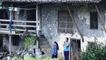ẢNH: Dưới những ngôi nhà sàn đá độc đáo nhất Việt Nam