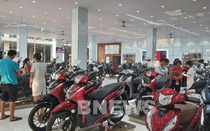 Thị trường xe máy Việt Nam giảm mạnh, hãng xe, đại lý đua nhau tung chiêu