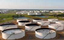 Giá xăng dầu thế giới tăng mạnh hơn 2%