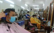 Hà Nội: Quán cắt tóc, gội đầu, shipper công nghệ... và nhiều dịch vụ hoạt động lại