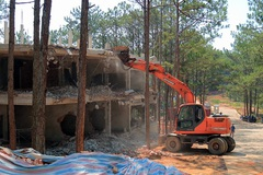 Khách sạn xây không phép trong rừng Đà Lạt
