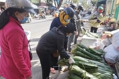 Đà Nẵng: Bán cả trăm ký lá mỗi ngày, người buôn kiếm tiền triệu dịp Tết