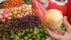 Làm thế nào để nhận biết hoa quả tẩm ướp hóa chất khi đi chợ ?