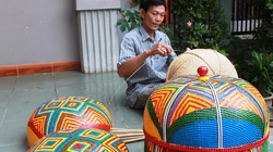 """Người có """"bàn tay vàng"""" tạo ra sản phẩm mỹ nghệ Chăm ở Ninh Thuận"""