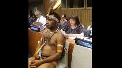 Đi dự hội nghị vẫn giữ được đậm đà bản sắc dân tộc