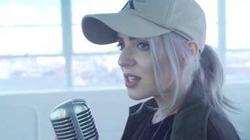 Cô gái khiến hàng triệu trái tim tan chảy khi cover bài hát đang gây nghiện cả thế giới