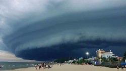 """Thực hư thông tin đám mây kỳ lạ trên biển Sầm Sơn gây """"sốt"""" mạng xã hội"""