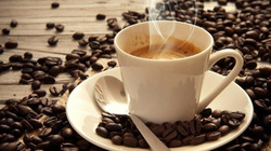 Cà phê giật mình với cú đảo chiều, hồ tiêu tăng nhẹ