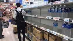 Không mua nổi ổ bánh mỳ trong siêu thị Nhật trước siêu bão Hagibis