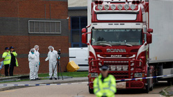 39 người chết trong container: tài xế khai xe chở bánh quy, nghi vấn các nạn nhân không chết do đông lạnh