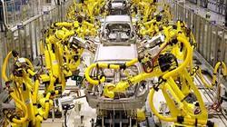 """Tiếp tục """"không chịu lớn"""", ngành ô tô Việt sẽ sụp đổ"""