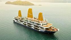 Giá dịch vụ tàu nghỉ đêm trên Vịnh Hạ Long giảm từ 50 đến 70%