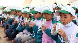 130.000 học sinh trẻ học sinh mầm non Hà Nam được uống sữa học đường của Vinamilk