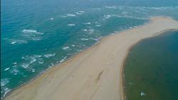 """Chưa lý giải được việc xuất hiện đảo """"khủng long"""" toàn cát giữa biển Hội An"""