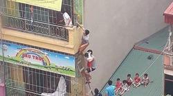 Cháy trường mầm non tại Hà Nội, nhiều học sinh thoát ra từ mái nhà