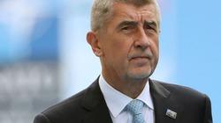 Súng nổ vô tình trên máy bay chở Thủ tướng Czech