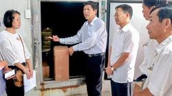 """Quảng Trị: Chủ tịch huyện đã đi """"bán cá cho dân"""""""