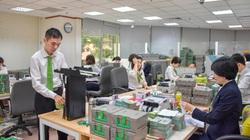 Mỗi năm, một nhân viên Vietcombank làm ra gần 980 triệu tiền lãi và thu nhập bình quân 410 triệu