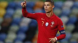 Khơi mào việc... bỏ cách ly tại Juve, Ronaldo đối diện án phạt nặng