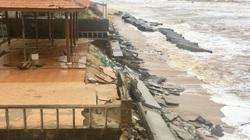 Quảng Bình: Cận cảnh kè biển Nhật Lệ 2  trị giá 35 tỷ bị sóng đánh vỡ