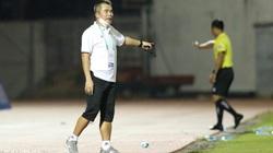 """""""Mourinho Việt Nam"""" muốn trọng tài bù thêm giờ để """"khán giả xem cho vui"""""""