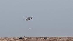 Giải cứu thành công những người mắc kẹt trên tàu chìm nhờ trực thăng và đặc công nước