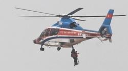 40 phút trực thăng cứu người trên tàu mắc cạn ở Quảng Trị